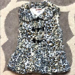Little Lass Size 6 Animal Print fuzzy vest